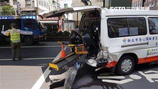 計程車,復康巴士,車禍,板橋