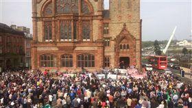 16:9 北愛爾蘭發生暴亂 29歲女記者拍下真相中彈喪命 圖/翻攝自IRLPatricia Twitter https://twitter.com/IRLPatricia/status/1119272586867818499