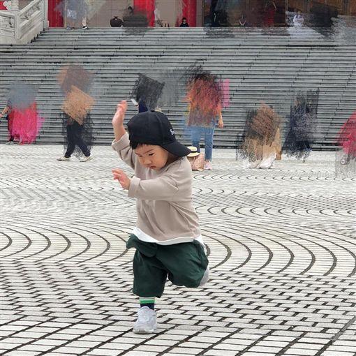 Ella,SHE,陳嘉樺,賴斯翔,勁寶大跳街舞。(圖/Ella IG)