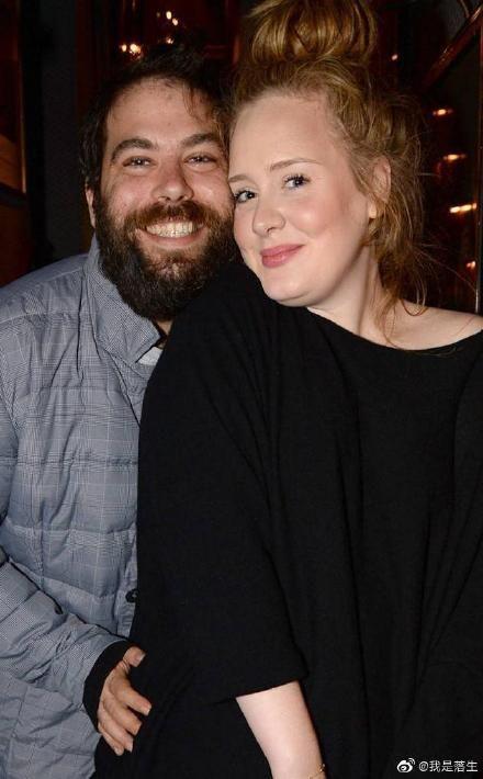 愛黛兒宣布與賽門康尼克基(Simon Konecki)離婚。(圖/微博)