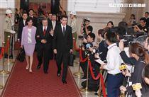 楊烈在國際橋牌社飾演總統,總統府就職難掩緊張興奮。(記者邱榮吉/攝影)。(記者邱榮吉/攝影)