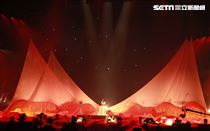 許茹芸「綻放的綻放的綻放」巡迴演唱台北小巨蛋開唱。(記者邱榮吉/攝影)
