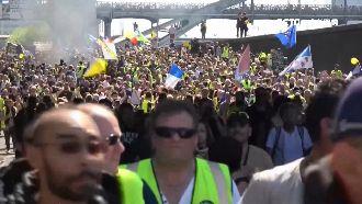 黃背心再爆衝突 巴黎街頭如戰場!