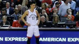 NBA/暴龍聽牌 豪2分鐘爆3失誤 NBA,季後賽,多倫多暴龍,林書豪 翻攝自推特