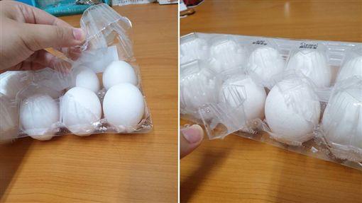 不少人都有在超商或大賣場買過雞蛋的經驗,但一名網友指出,他每次買完雞蛋後,總將塑膠外盒給弄破,不知道是設計出了問題,還是自己不會開。貼文曝光後,釣出內行專家解答,也讓網友們紛紛驚呆:「原來從小到大都開錯邊!」(圖/翻攝自Dcard)
