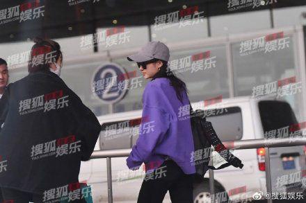 關曉彤被拍到探班鹿晗。(圖/搜狐娛樂微博)