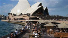 不明氣體外洩,雪梨歌劇院逾500人緊急疏散。(圖/翻攝海峽時報)