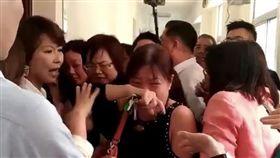 立院議事人員遭嚇哭 記者陳冠穎攝影