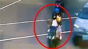 台北,大安,男嬰,車禍,機車,身亡,一家三口。翻攝畫面