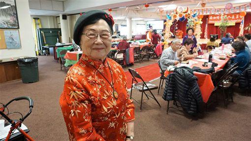 96歲的蔡盧錫金(圖)將家鄉台南府城的成年禮活動帶到美國發揚光大,自1991年至今舉辦29屆,她說每年看到孩子們站出來宣告長大,要負起責任並貢獻社會,都覺得很感動。中央社記者林宏翰洛杉磯攝 108年4月21日