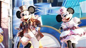 ▲來東京迪士尼樂園和卡通明星見面(圖/五福旅遊)