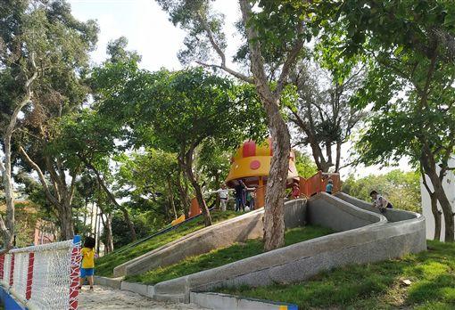 屏東縣政府24日宣布,在位於屏東市中心擁有百年歷史的屏東公園打造適合親子的兒童遊樂區,即日起正式開放。(屏東縣政府提供)中央社記者郭芷瑄傳真 108年4月24日