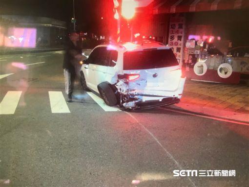 台中市南屯區五權西龍富路口酒駕車禍/翻攝畫面