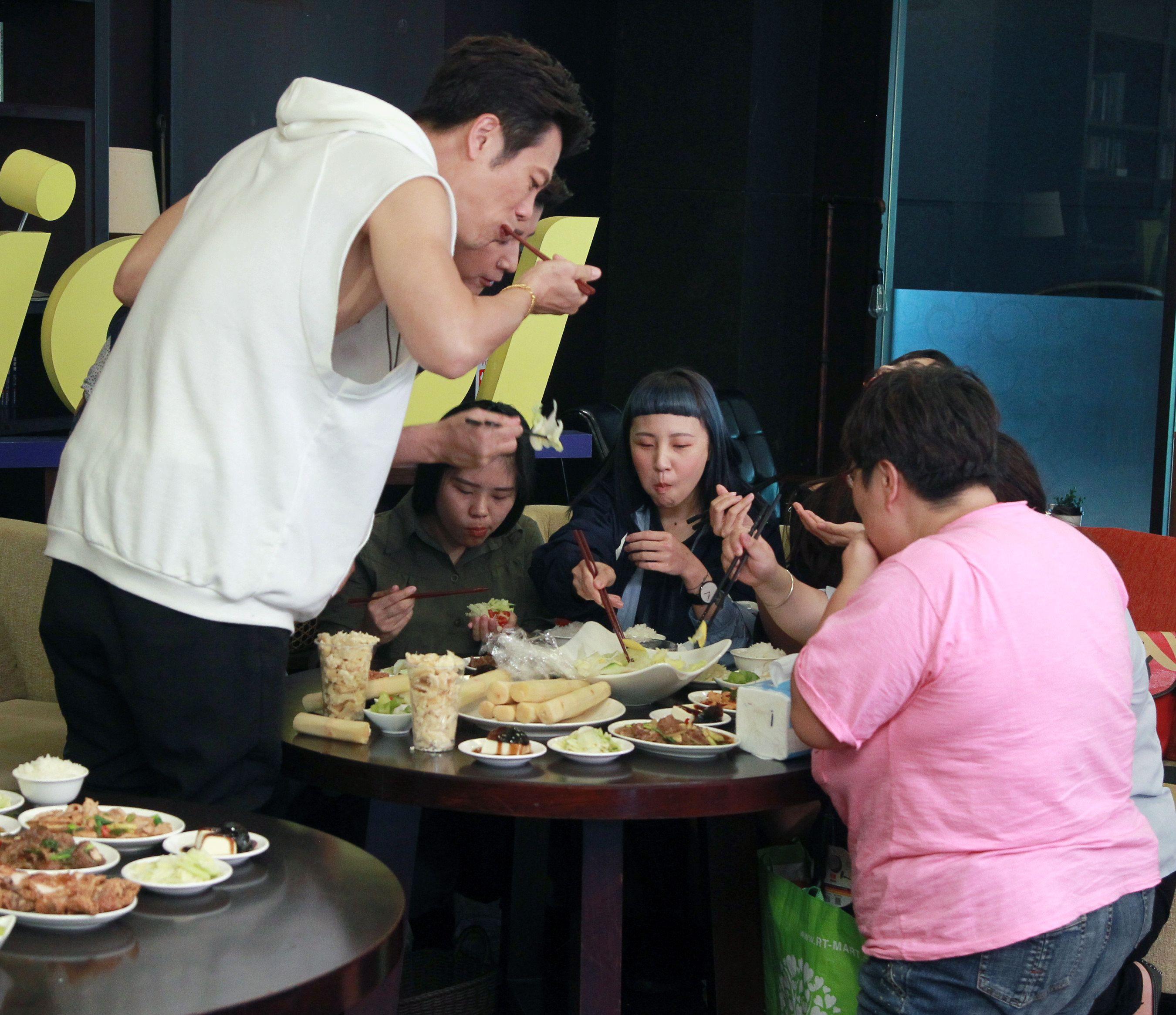 三立八點檔「炮仔聲」演員:陳志強、陳宇風、王宇婕、吳婉君與粉絲見面互動。(記者邱榮吉/攝影)