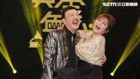 余天、王彩樺主持華視新節目「黃金年代」。(記者邱榮吉/攝影)