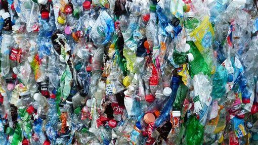 塑膠垃圾圖/pixabay