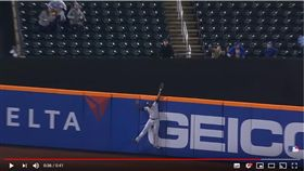 ▲釀酒人中外野手肯恩(Lorenzo Cain)沒收全壘打。(圖/翻攝自MLB YouTube)