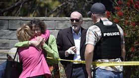 美加州猶太會堂傳槍擊案,多人受傷一嫌被捕(圖/翻攝自推特)