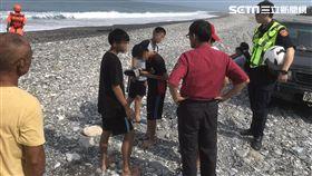 國中生,搜救,海浪,花蓮,翻攝畫面
