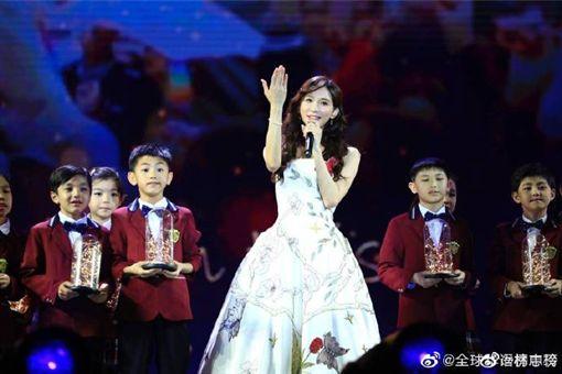 林志玲在澳門出席23屆《全球華語榜中榜暨亞洲影響力盛典》。微博