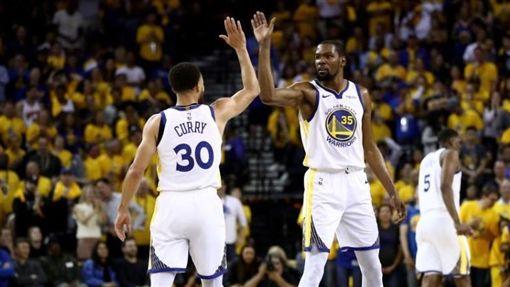 NBA/KD35分 勇士G1勝火箭NBA,季後賽,金州勇士,Kevin Durant,Stephen Curry翻攝自推特