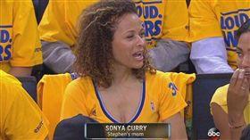 NBA/柯瑞狂犯規 主帥求助柯媽媽 NBA,季後賽,金州勇士,Stephen Curry 翻攝自推特
