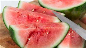 除了香蕉,不妨選擇梨子、西瓜、木瓜、香瓜和火龍果等水果,也有助於排便。(圖/翻攝自Pixabay)