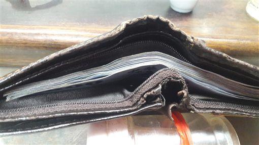 嘉義女網友4天薪水將近25K。(圖/翻攝自爆廢公社)