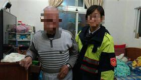 台北市文山一分局女警遭同事在水瓶內摻入精油(翻攝畫面)