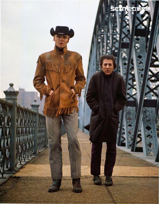 台北電影節「經典重現」,強沃特(左)與達斯汀霍夫曼(右)主演的奧斯卡最佳影片《午夜牛郎》曾在台被禁演近20年之久。(圖/台北電影節提供)