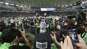 ▲鈴木一朗擔任『總裁特助』協助訓練水手3A球員。(圖/美聯社/達志影像)