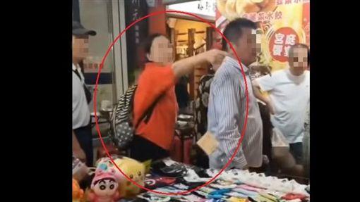 台北,饒何街,夜市,陸大媽(圖/翻攝爆料公社)