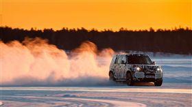 ▲Land Rover Defender測試原型車。(圖/Jaguar Land Rover提供)