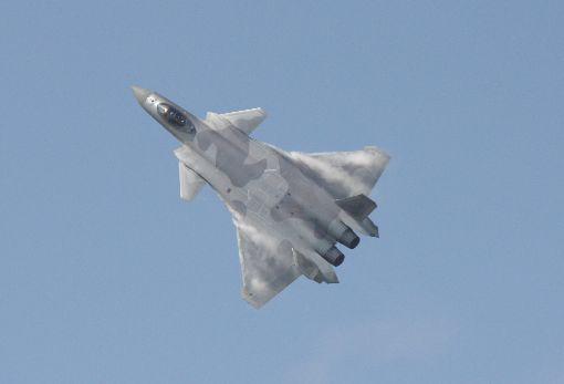 美太平洋空軍司令:殲20可能今年具作戰能力美國太平洋空軍司令布朗(Charles Brown)表示,中國可能今年宣布他們第一款匿蹤戰機殲20(J-20)將具備作戰能力,且在研發能攜帶核武的長程轟炸機,做為區域軍力增長的一環。圖為共軍殲20戰機。中央社陳亦偉攝  108年5月2日
