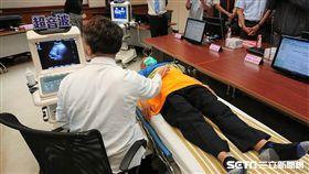 超音波是一種非侵入性、能快速且早期診斷的醫療儀器。(圖/長庚醫院提供)