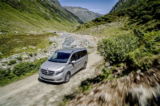 ▲V-Class提供150萬40期零利率的優惠方案。(圖/Mercedes-Benz提供)