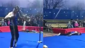 蟒蛇,繞頸,表演,身亡,尖叫,觀眾 https://www.facebook.com/887812071385392/videos/429715797817786/