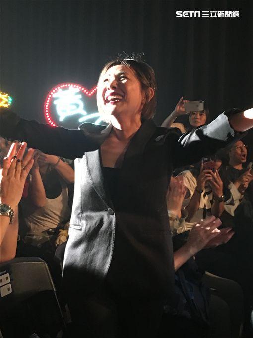 辛曉琪「人生若只如初見」演唱會,音樂才子李宗盛出現演唱會場。(記者邱榮吉/攝影)