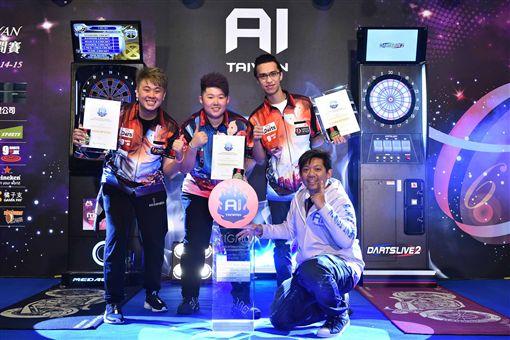 ▲來自香港的國家代表隊(左起)梁文洛、莫兆彤及余子安取得2018年國家代表隊對抗賽冠軍。(圖/大會提供)