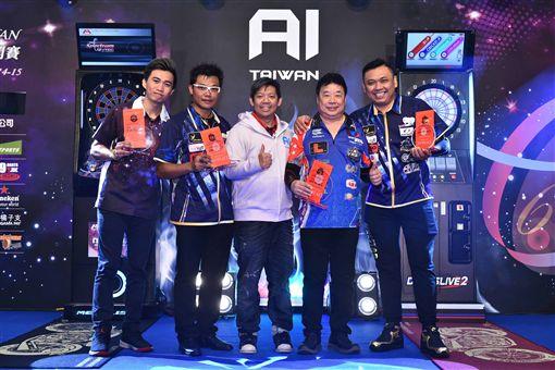 ▲來自新加坡Paul Lim(右二)及香港Royden Lam(左二),取得GRAND MASTER SINGLE2018 AI冠、亞軍。(圖/大會提供)