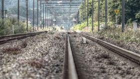 鐵軌。(圖/翻攝自Pixabay)