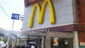麥當勞,大麥克,買一送一。(圖/記者馮珮汶攝)
