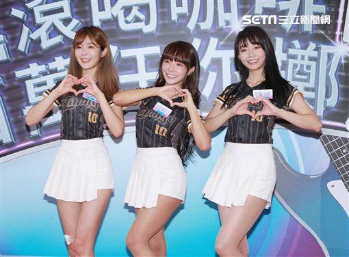 LamiGirls,左起巫苡瑄、倪暄、Yuri。(圖/記者邱榮吉攝影)