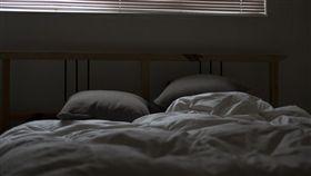 臥房、房間、睡覺示意圖/pixabay