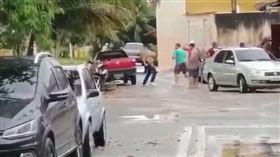 巴西37歲的喜劇演員里卡多(Ricardo Sena Macedo Soares)街頭遭打死(圖/翻攝自OP9 Portal YouTube)