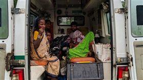 印度,氣旋,撤離,庇護所,政府,逃難、  推特