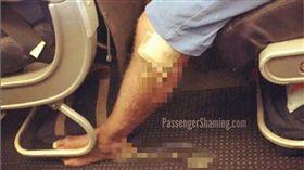 流膿,飛機,乘客,衛生 (圖/passengershaming IG)