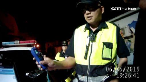 酒駕男自撞喊「救家人」 警傻眼:車上只有他