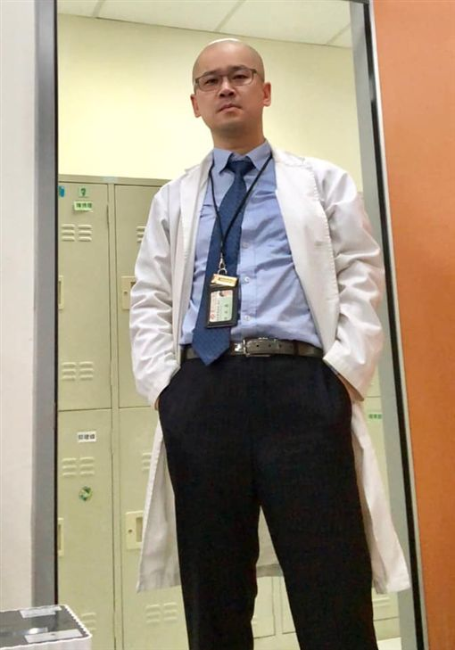 新竹馬偕醫院急診外科主任白永嘉近日就在臉書「急診醫師的眼睛(白永嘉醫師)」