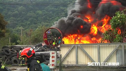 台中后里輪胎廢棄工廠火警、台中市長盧秀燕、學童戴口罩